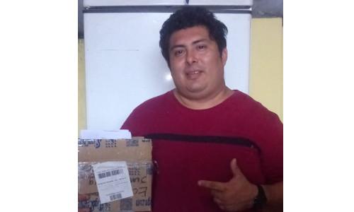 Ecuador-Sr.Renan Jacome comprio Repuestos de Plotters