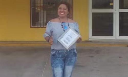 Mexico-Senora Ruth Angelica comprio repuestos de plotters