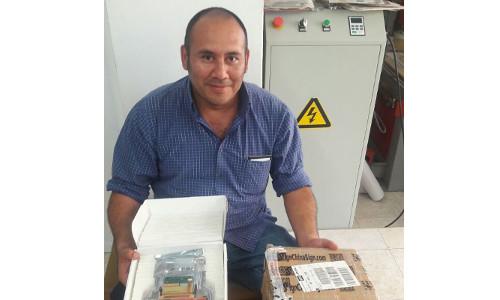 Cliente de Mexico Sr.Ivan Donde ,Comprio Repuestos de Plotter China